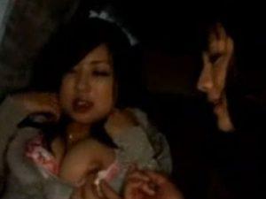 【素人レズ動画】女ナンパ師が終電を逃した素人娘をナンパし車内に連れ込みカーSEX!