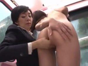 【ナンパレズ動画】元地方局のアナウンサーだった美人AV女優が街中で素人娘をナンパしレズる